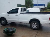 VENDO PICK UP HILUX DX 2.5 - Camionetas / 4x4 - Belgrano