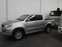 TOYOTA HILUX 4X4 SRV AÑO 2011 MOTOR 3.0 TDI - DOBLE CABINA - Camionetas / 4x4 - Todo Argentina
