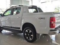 vendo s 10 4x4 high country - Camionetas / 4x4 - Eldorado