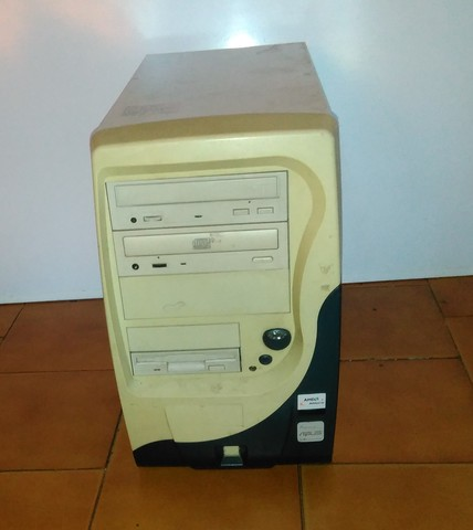 HOY $1200....AMD ATHLON 1.66 GHZ -RAM 512 MB - VIDEO GEFORCE 32 MB - DISCO 30 GB - Computadoras / Informática - San Isidro
