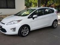 Vendo Ford Fiesta Kinetic Titanium modelo 2013 - Autos - Córdoba