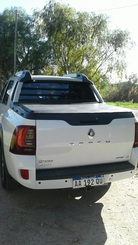 VENDO DUSTER OROCH 2016 IMPECABLE - Camionetas / 4x4 - General Alvear