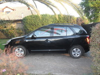 Vendo Station Wagon Kia New Carens - Autos - La Reina