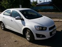 VENDO CHEVROLET SONIC FULL EQUIPO AÑO 2012, CONVERSABLE. - chevrolet chocado