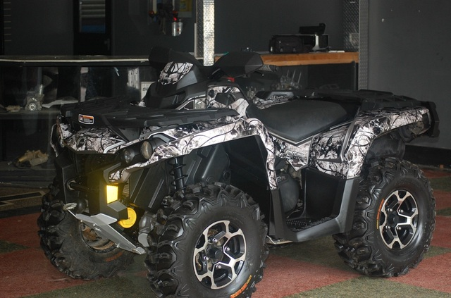 Can-Am Outlander 800 XTP 2014 - Motos / Scooters - Chillán