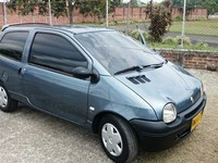 Renault twingo authentique 1149 cc - Carros - Montenegro