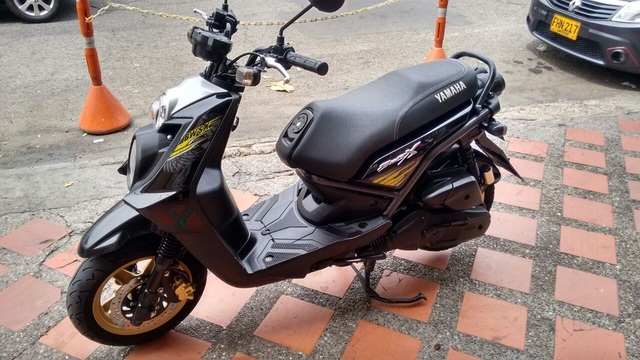 MOTO YAMAHA BWIS 2015 - Motos / Scooters - Medellín