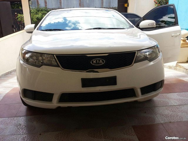 Kia forte blanco 2010 - Autos - Santo Domingo
