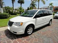 Venta de Carro 2009 Chrysler Town Country 3.8L  - Camionetas / 4x4 - Guaranda