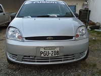Ford Fiesta-2004 - Autos - Santo Domingo