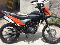 VENDO MOTO DAYTONA SHARK 200cc - Motos / Scooters - Quito