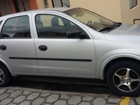 VENDO CHEVROLET CORSA EVOLUTION PLATEADO 2005 - Autos - Quito