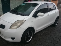 TOYOTA YARIS NITRO - Autos - Quito