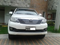 Vendo Flamante Toyota Fortuner 2012 version 4x4 de Oportunidad - Autos - Quito