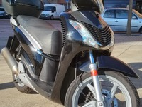Honda Scoopy SH125i Confort Disco Top Box 2009 - Motos de Segunda Mano - Barcelona