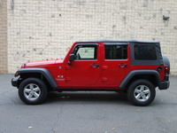 Venta de Jeep Wrangler 4wd 4x4 Sahara Unlimited X 6-speed, Arizona. - Camionetas / 4x4 - Globe