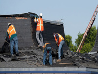 Experts At Roofing Services - Construcciones - Bellevue