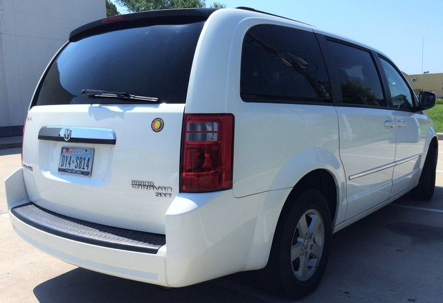 2011 GRAND CARAVAN 68k MILES - Autos - Houston