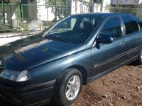 Vendo Renault Laguna 1.8RT  Full 1995 - Autos - Mercedes