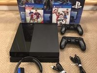 Sony Playstation 4 500 GB con 2 mando inalámbrico y 5 juegos gratis  - Compras en General - Montevideo