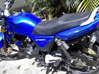 VENDO CASI NUEVA MOTO EMPIRE SPEED 200 - Motos / Scooters - Caracas
